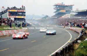 Lola T70(Bonnier-Gregory) GT40 (Hobbs/Hailwood) Porsche 908 (Herrman/Larrouse) Le Mans 1969. Photo.